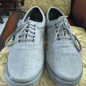 Beuttiful tennis shoes